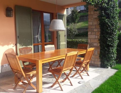 Ripristino tavoli in legno per esterno con olio